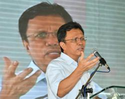 Shafie Apdal: IMM13 is for refugees, not long-staying migrants