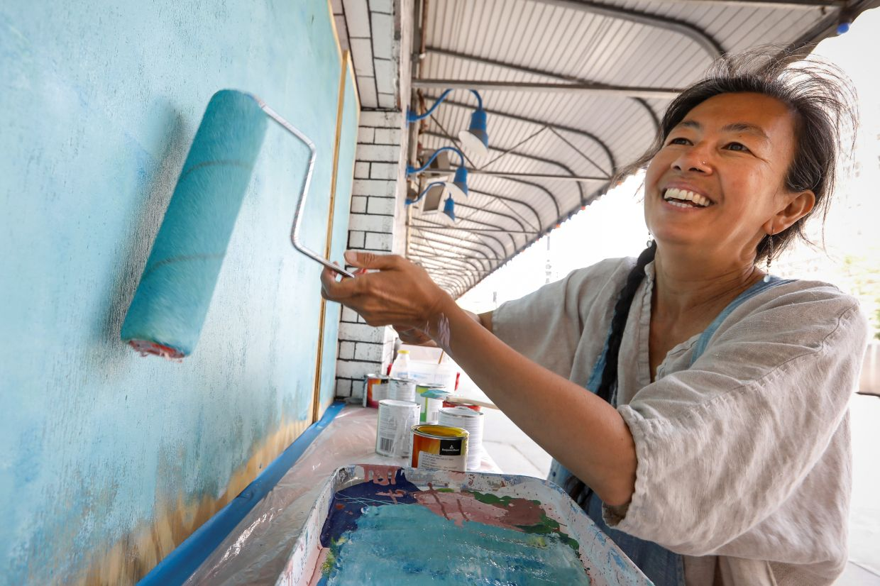 'I just want someone to smile, you know, to walk by and just smile because it's something that's beautiful and lights up their ... their soul or their heart,' says artist Sono Kuwayama. Photo: Reuters