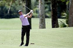 Hot putter helps Simpson grab clubhouse lead at Harbour Town