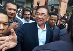 Sarawak PKR leaders surprised by report claiming Anwar tried to meet Sarawak CM