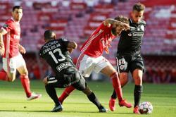 Porto leapfrog Benfica in Portuguese title race
