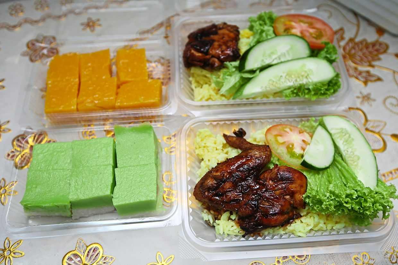 Some of Syurita's food sold online via the WOW Ramadan Market.