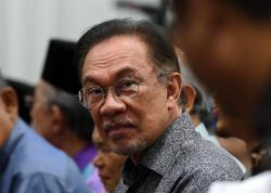 Politics should be used for the comfort of the people, not to fulfil greed of politicians, says Anwar