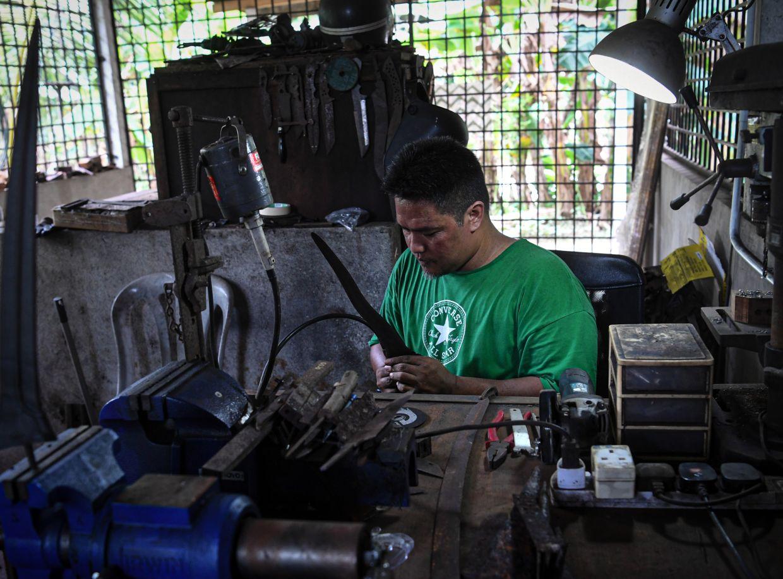 Wan Islahuddin wants to pass on the art of making the keris to the next generation so that it will not be forgotten. Photo: Bernama
