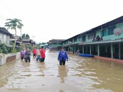 Northern Sarawak floods worsen, at least 1,000 people affected