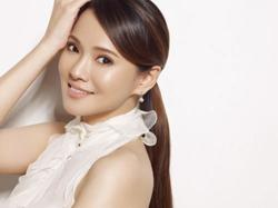 Singer Annie Yi finds herself in hot water for 'slandering' the late Anita Mui