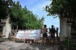 Indonesia's foreign tourist arrivals start picking up