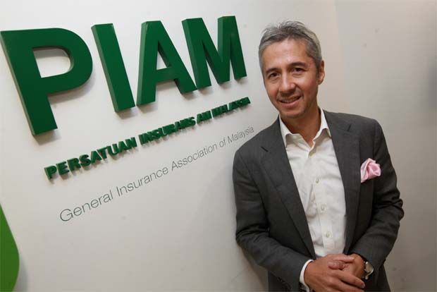 AIG Malaysia Insurance Bhd chief executive officer (CEO) Antony Lee was re-elected chairman of the board of Persatuan Insurans Am Malaysia (PIAM) for 2020 to 2022.