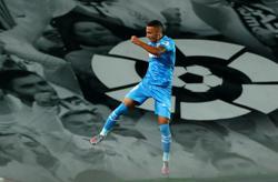Valencia's Rodrigo suffers knee injury