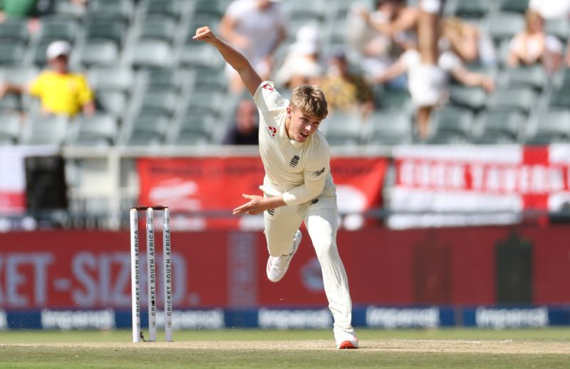 England's Curran tests negative for COVID-19