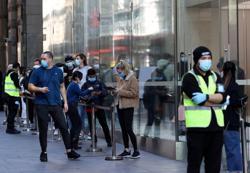 Australia new virus cases fall, but testing blitz runs into resistance