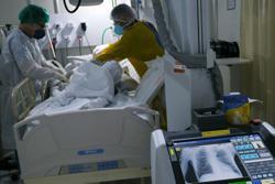 Brazil set to pass 1.5 million coronavirus cases, cities reopen anyway
