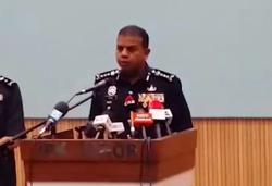 Immigration officer nabbed