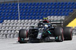 Bottas pips Hamilton for pole in Austria