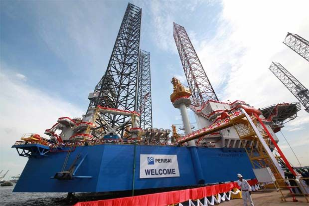 Perisai Petroleum Teknologi Bhd maiden jack-up drilling rig, Perisai Pacific 101 at PPL Shipyard in Singapore. - Filepic