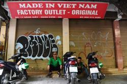 Vietnamese, Laos leaders hold talks on Covid-19 fight, ties