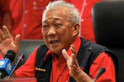 Bung keen to let Salleh rejoin Sabah Umno, but will let supreme council decide