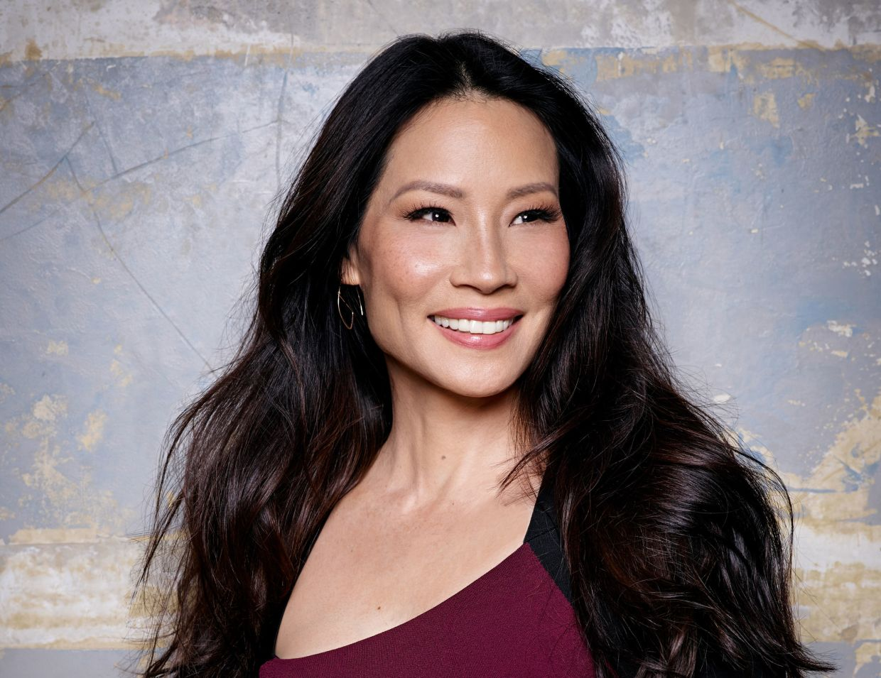 Lucy Liu   See Every Dazzling Hair and Makeup Look From