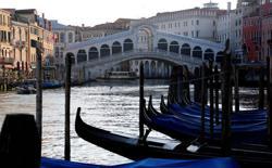 People refusing coronavirus treatment may face jail in Italy's Veneto