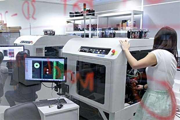 Yesterday, Vitrox Corp Bhd (pic), which is an equipment tester for the semiconductor and electronic packaging industries as well as electronic communications equipment, hit its all-time high of RM10.24 per share, despite analysts expecting rough second-quarter earnings for many manufacturers.
