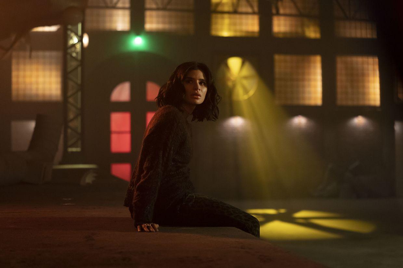 Dc Universe Doom Patrol Actress Diane Guerrero Is A Superhero In