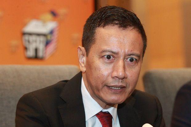 Confirmed: Art Harun resigns as EC chairman