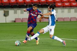 Suarez scores as Barca condemn Espanyol to relegation