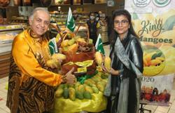 Pakistani mangoes promoted at Mydin signature stores