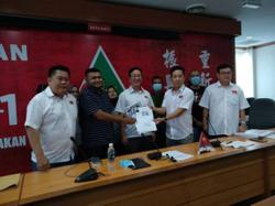 Former Umno members in Penang join Gerakan