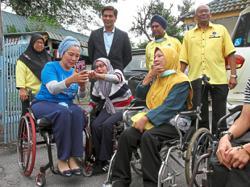 Ras Adiba wants sign language to be third language in Malaysia