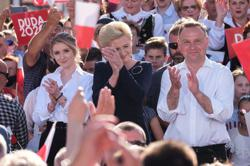 Poles vote in presidential election that could define EU relations