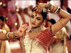 Indian megastar Aishwarya Rai Bachchan tests positive for Covid-19; husband and father-in-law stable condition