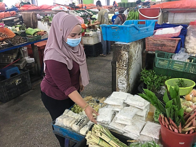 Nurshahira hopes for a more organised market.