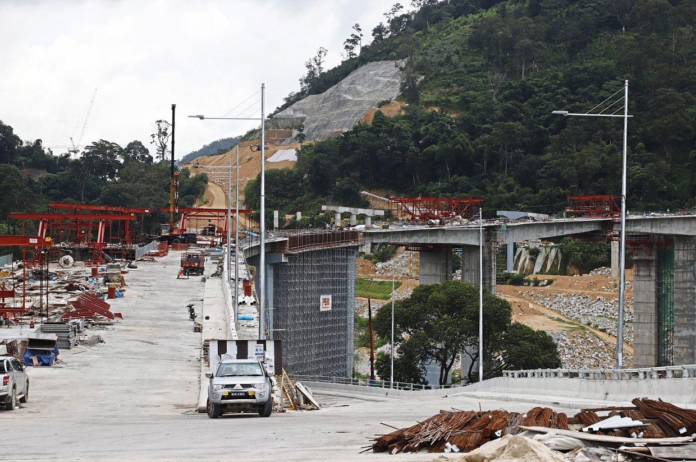 Part of the elevated road from Jalan Tun Sardon towards Jalan Bukit Kukus linking to the main paired road.