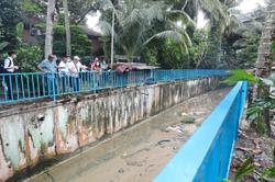 Kampung Sg Penchala residents thankful for railing by river