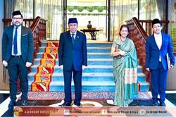 Selangor Sultan applauds Khoo's contributions to nation