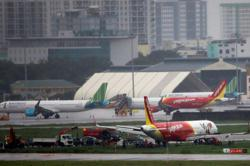 Vietnam agrees to resume commercial flights to China