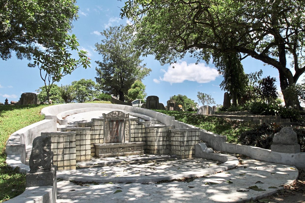 The tomb of Kapitan Yap Ah Loy at the cemetery.