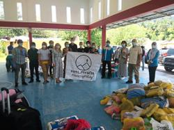 Hikers from 17 countries help Orang Asli