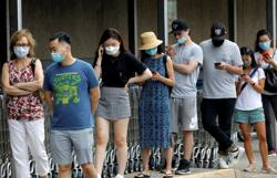 Americans quick to use cloth masks after government recommendation - CDC