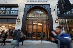Burberry to streamline headquarters, stores after lockdowns