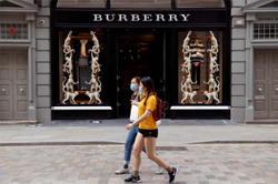 Burberry to streamline headquarters, stores