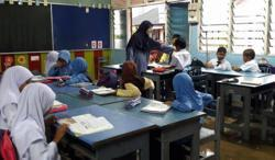 No plans to reintroduce English for science and maths, says Education Ministry