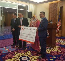Sabahan trading company Askera Sdn Bhd donates RM50,000 to state govt in Covid-19 fight