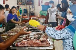 Penang wet market fails to observe SOP
