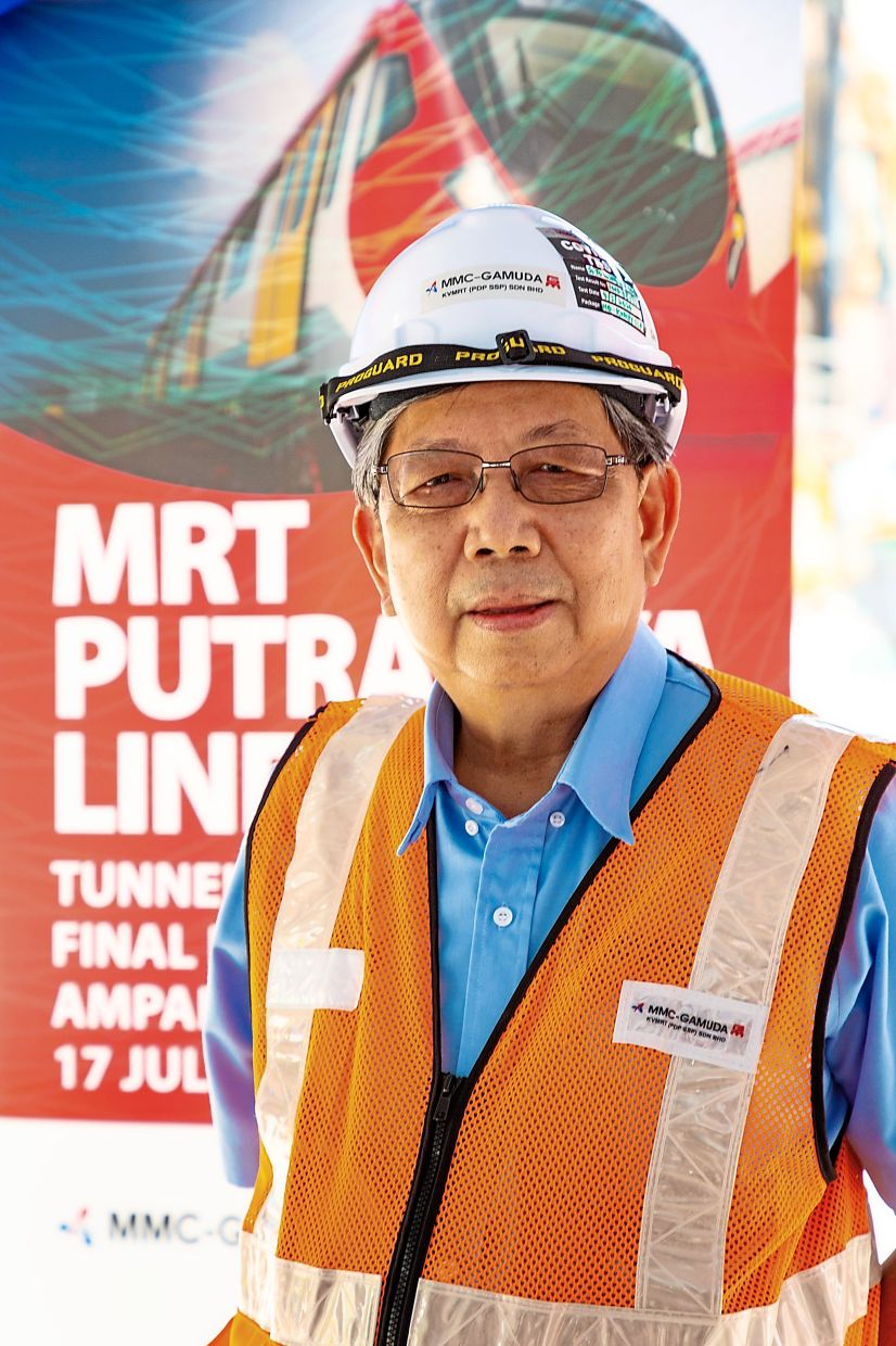 As the Putrajaya Line geology is a lot more complex, its underground alignment was more difficult compared to the Kajang Line alignment, said Wong.