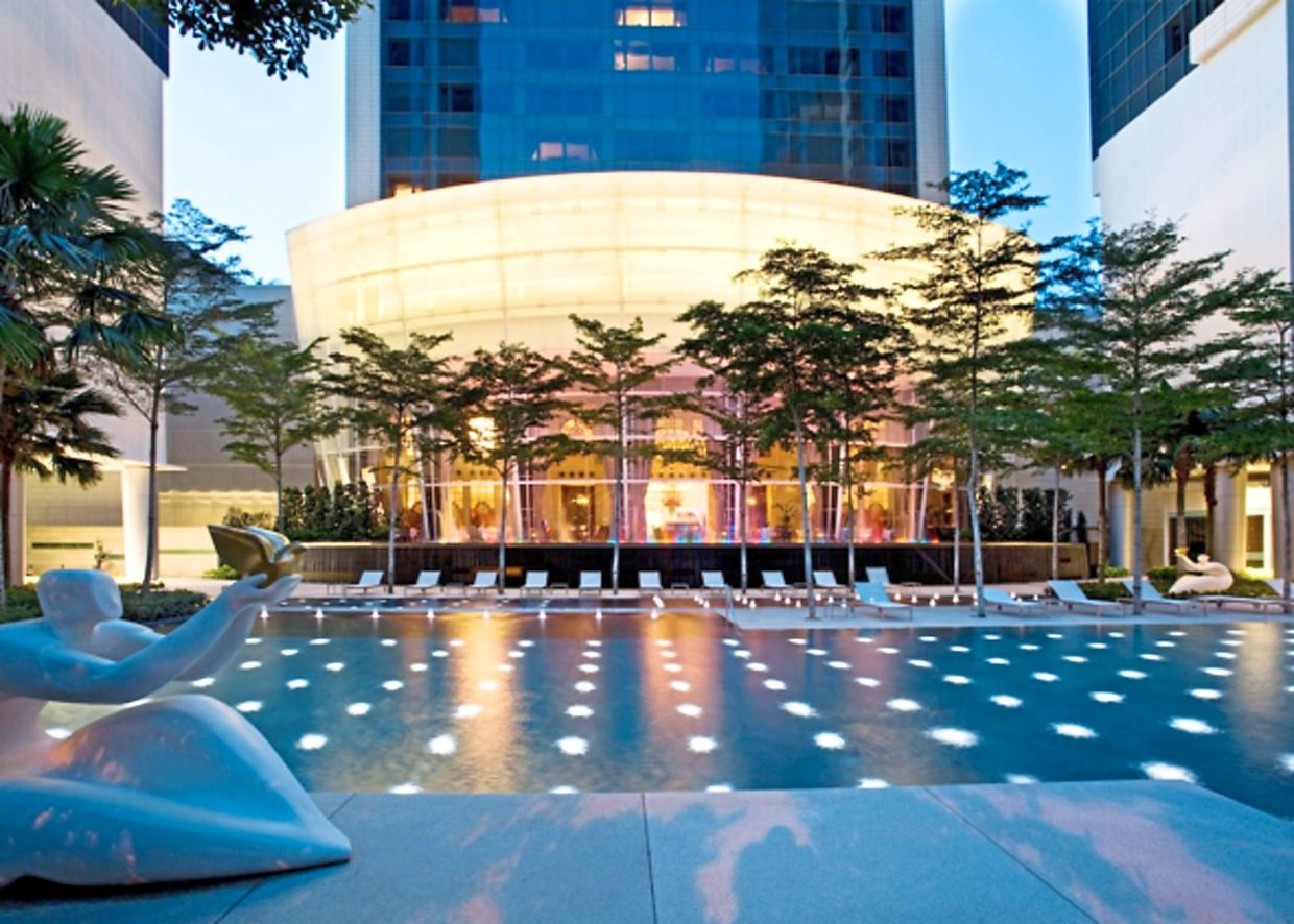 St Regis Singapore, designed by McNamee, won FIABCI's Hotel Prix d'Excellence Award in 2009.