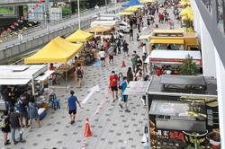 Strict SOP observed as Kepong night market opens for business