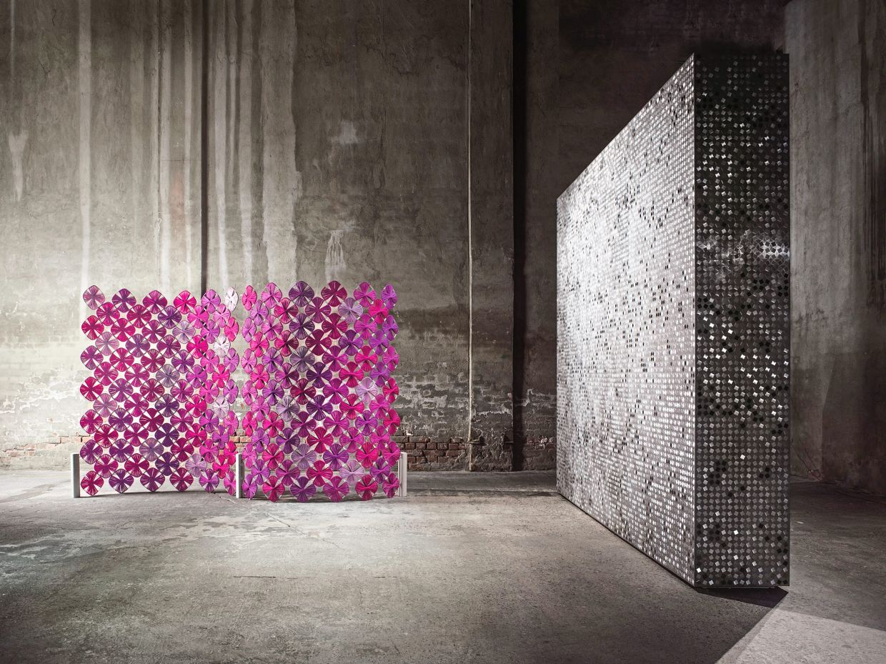 The Loto room divider by Paola Lenti has a more decorative character.