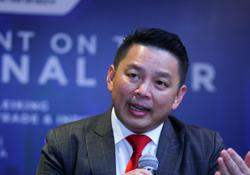 Warisan calls for snap polls after a dozen reps seen at Musa Aman's side